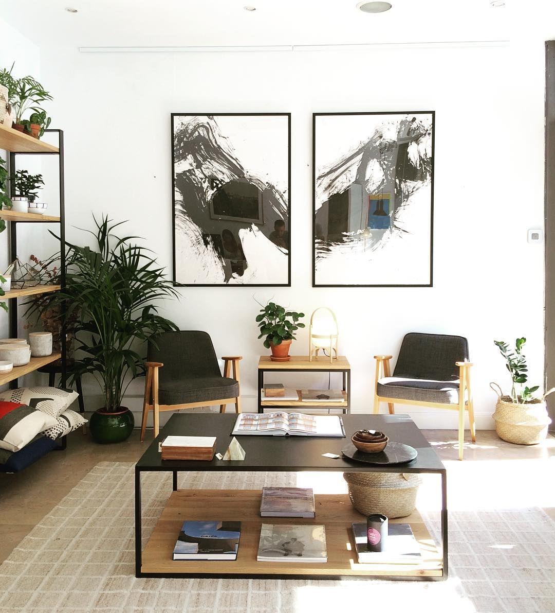 Y Por Fin Hemos Colgados Los Cuadros Del Artista Albert Lekuona Qué Os Parece El Resultado Decoracion Living Muebles A Medida Muebles