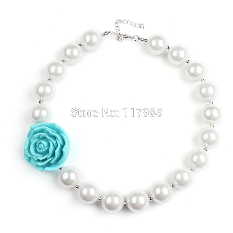 119d15cb58dd Collar para fiesta fabricado en perlas con flor en color aqua ...