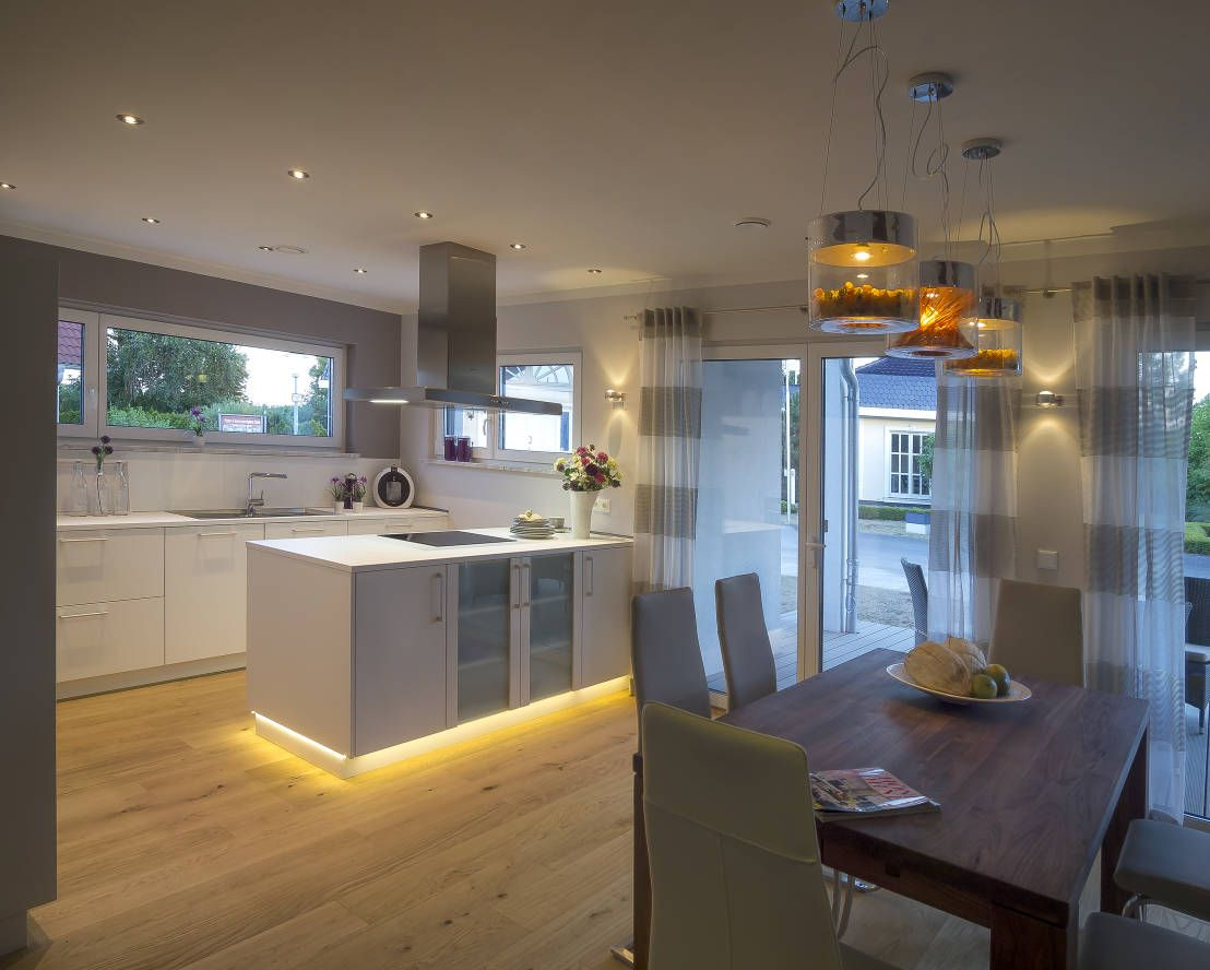 Wunderbares haus f r familien mit kindern hausbau pinterest k che haus und wohnzimmer - Minimalistisches wohnzimmer ...