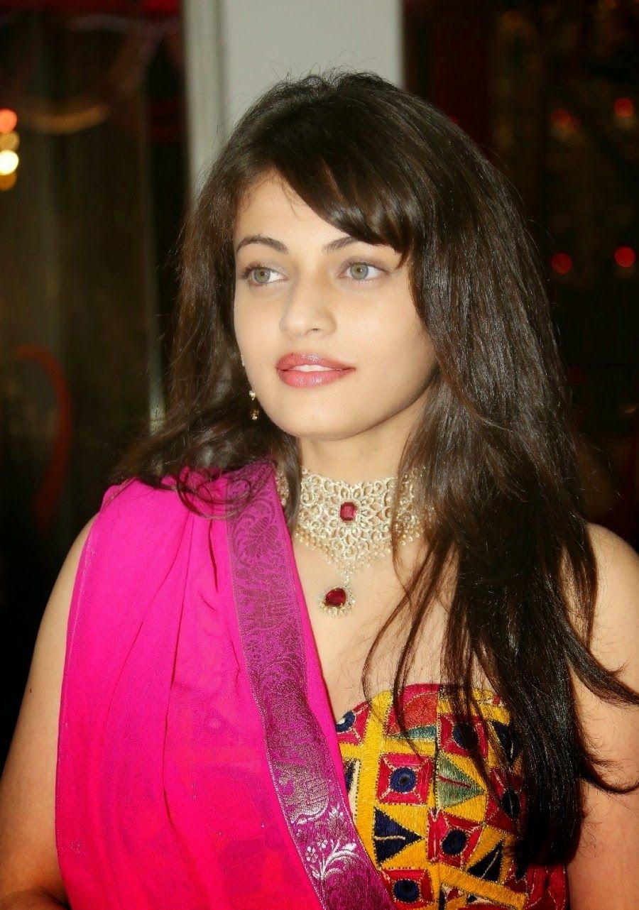 Watch Sneha Kapoor 2009 video
