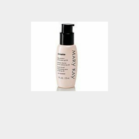Timewise day solution with spf 35 NWT-retail every day wear day solution with sunscreen protection. Mary Kay Makeup