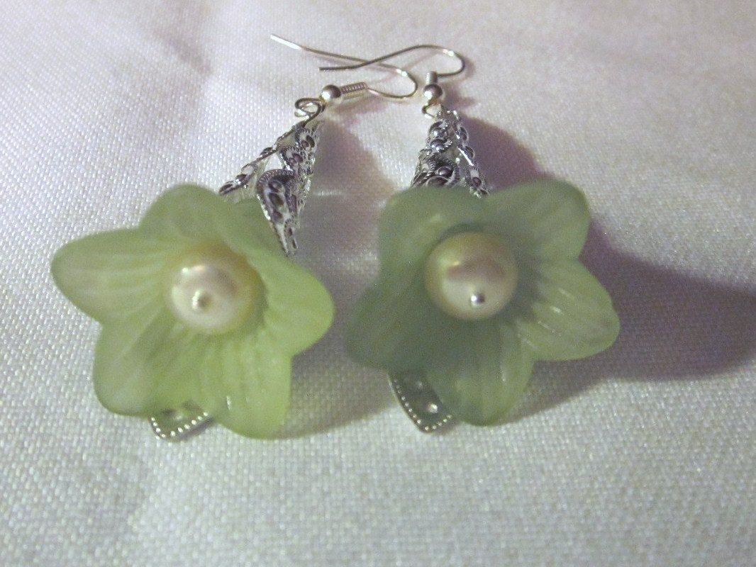 Pale Green Trumpet Flower Earrings - Cute, Dangles, Silver plated Cones, Freshwater Pearls.