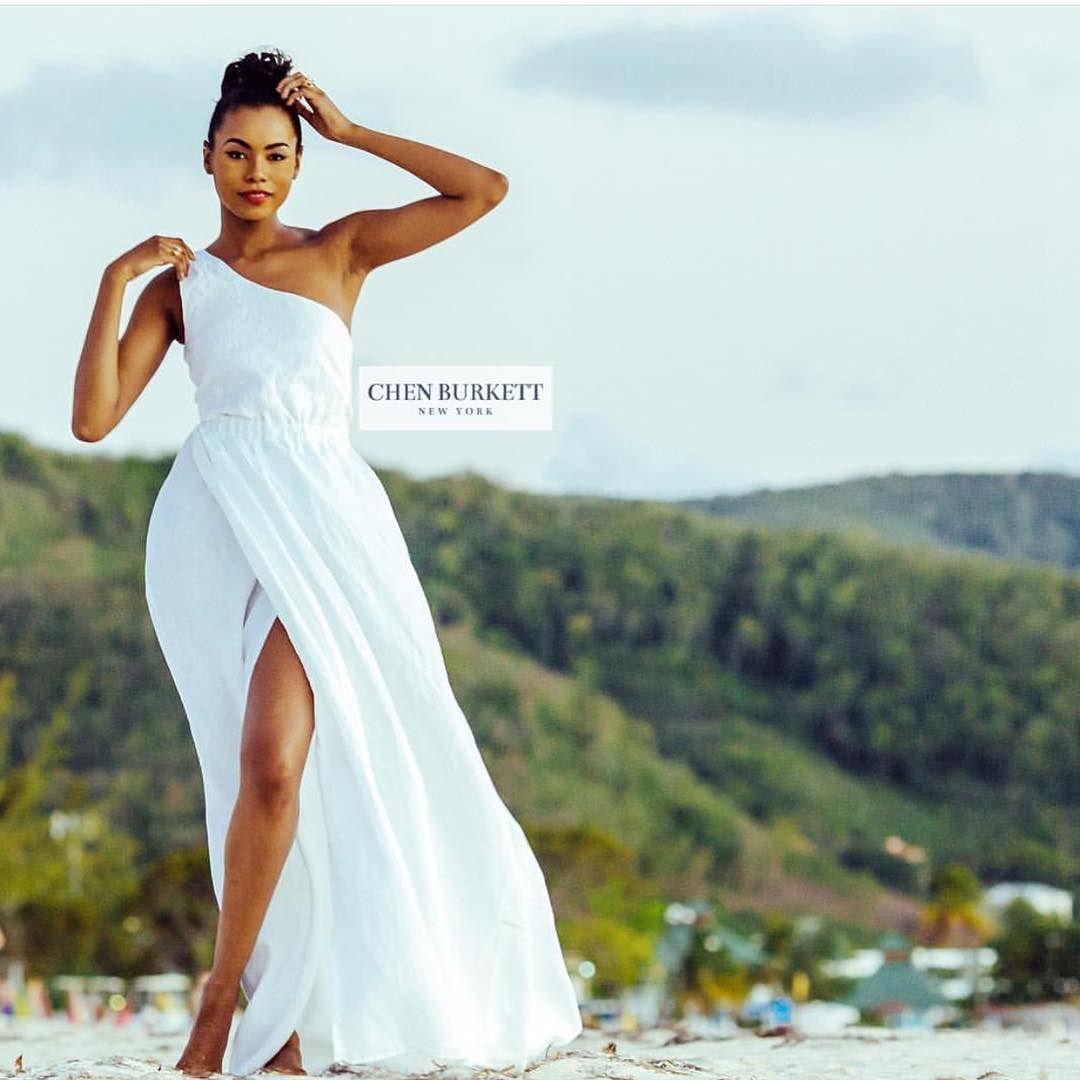 Munaluchi Bride On Instagram This 100 Linen Dress By Chenburkettny Is Perfect For Your Beach Wedd Honeymoon Attire Linen Wedding Dress Beach Wedding Attire [ 1080 x 1080 Pixel ]