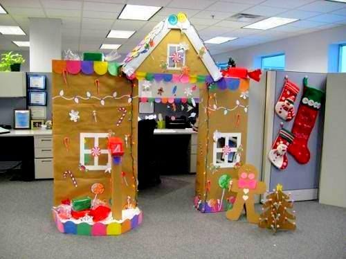 Brilliantly Decorated Office Cubicle On Christmas Eve With Cardboards And  DIY Crafts