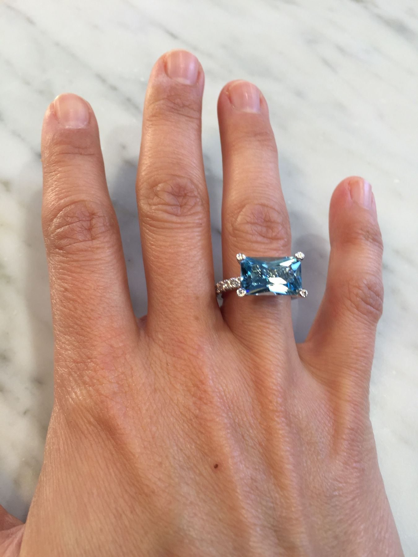 This beautiful aquamarine and diamond ring is handmade in 18k white gold. Based on our Lumiere ring design, the radiant cut aquamarine is left as open as possible to allow abundant light into the stone. A perfect engagement or dress ring, it stacks beautifully with a diamond wedding band. Shop it at www.lizunova.com/products/lumiere-aqua-diamond-ring ❤️