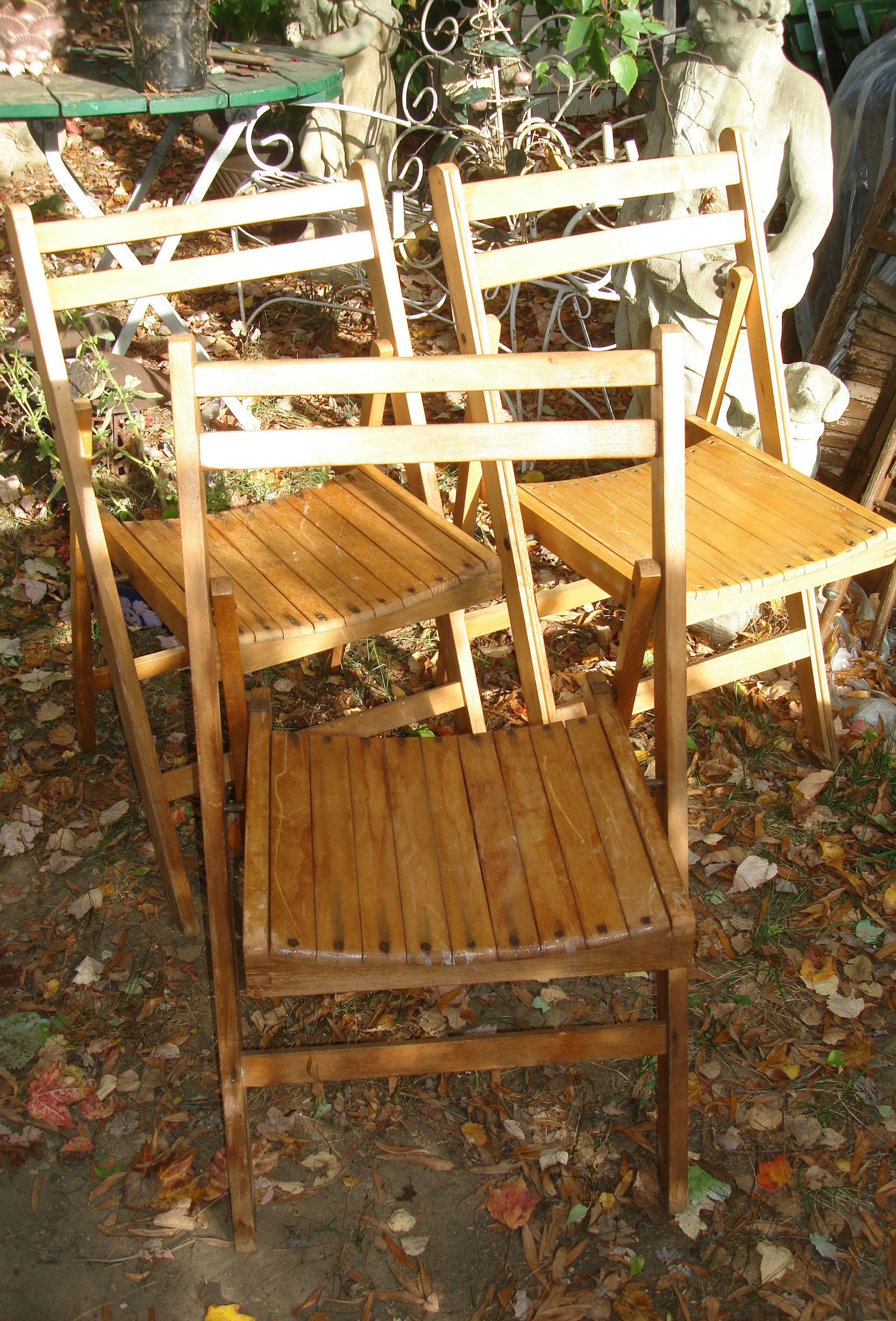 vintage wooden folding chairs / set 7 folding chairs / wood patio