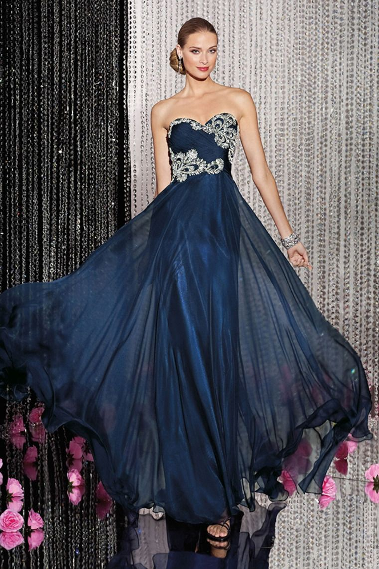 sweetheart fitted and pleated bodice a line with flowing