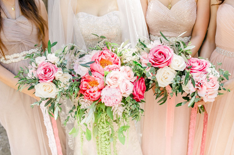 The Ultimate Wedding Flower Checklist Diy Wedding Flowers Wedding Flowers Neutral Wedding Flowers