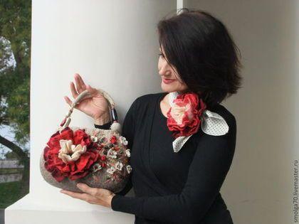 Купить или заказать сумочка 'Антаньо' в интернет-магазине на Ярмарке Мастеров. Рубин, пурпур и бархатный бордо... -благородные 'ноты' этого женственного дуэта - сумочки и крупной броши-цветка.