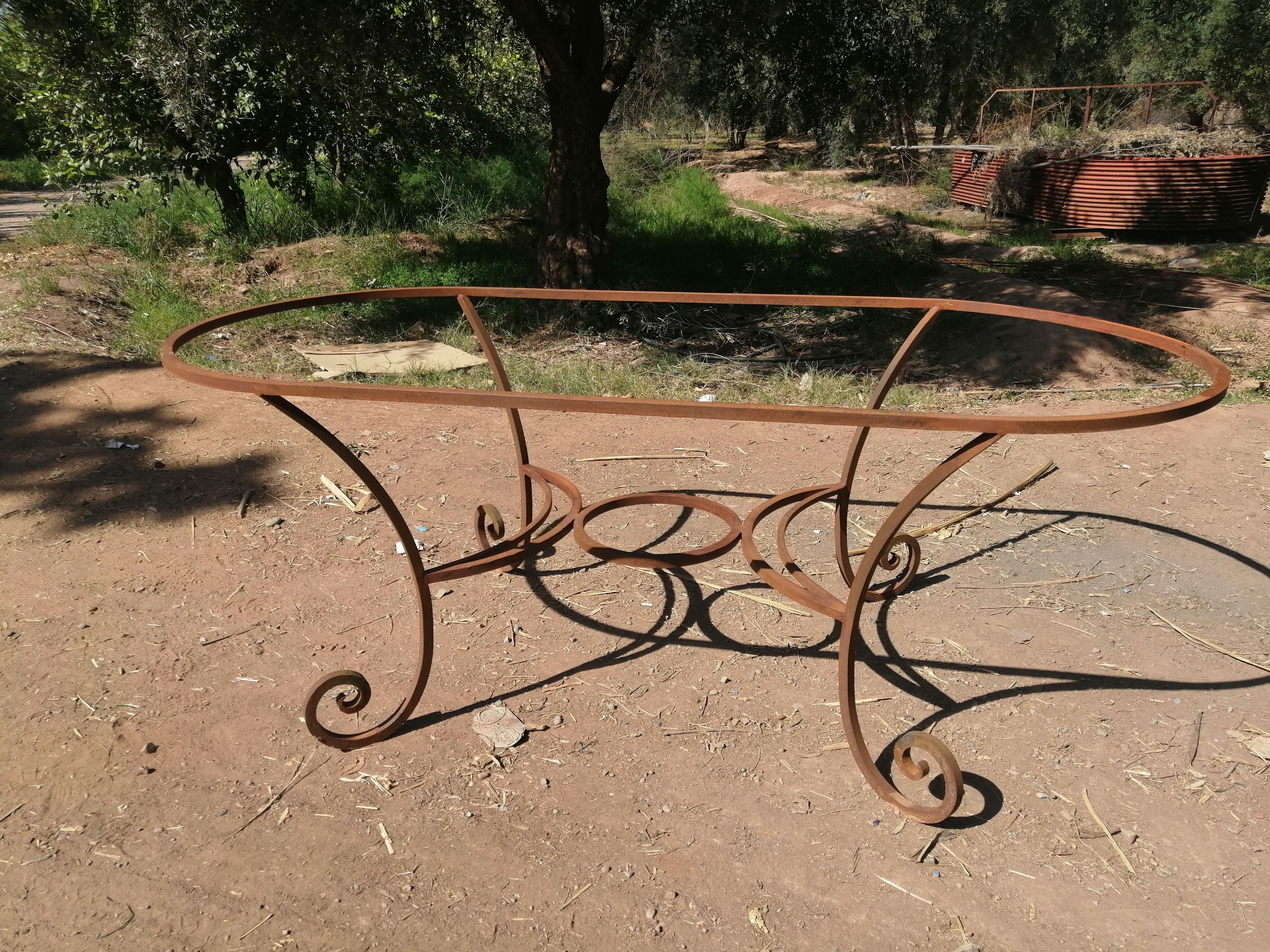 pied de table ovale en fer forge