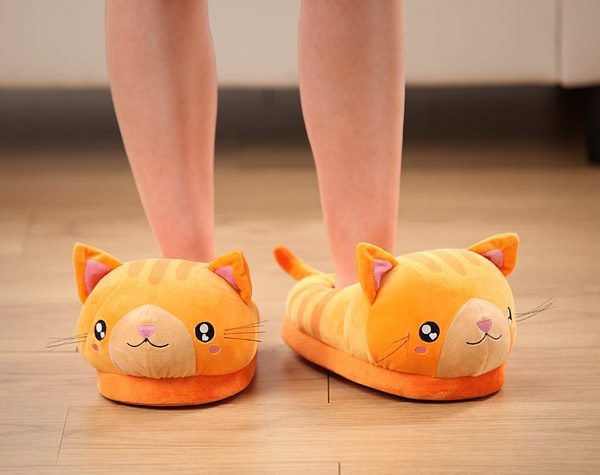Des chaussons-chats trop kawaii   TOP CHAT   Slippers, Clothes et Shoes 6e80436446dd
