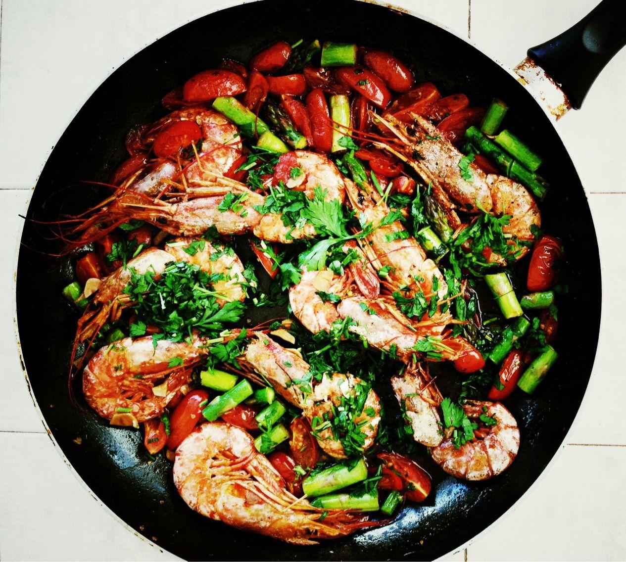 Perfect lunch! Thanks my ❤️ #gambas #pastaqueen #liebegehtdurchdenmagen #eatclean #cleaneating #healthy #healthyfood #gesundheit #gesund #gesundeernährung