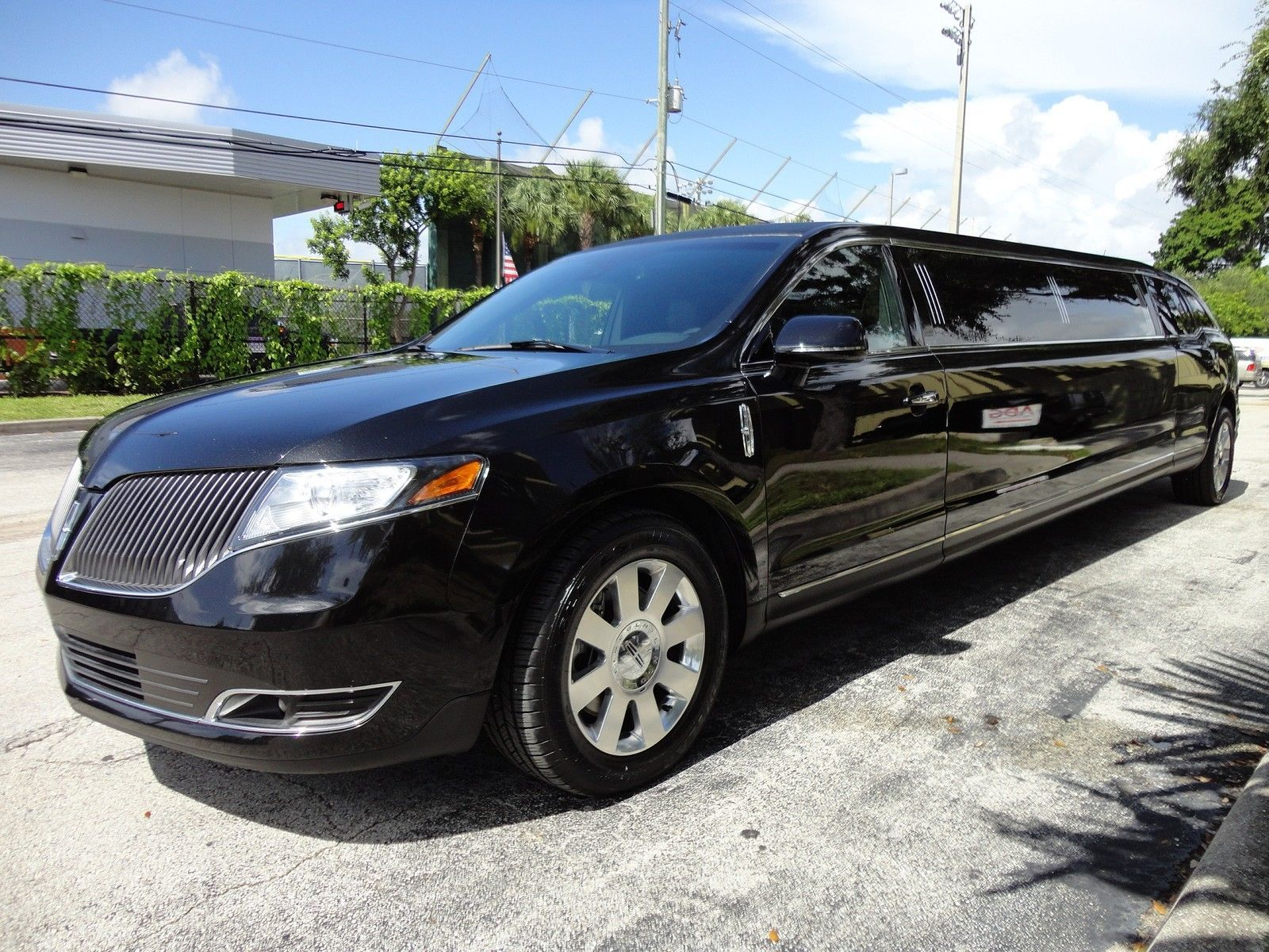 wagon interior front all wheel copyright rights fleet seats awd lincoln mkt back drive reserved base