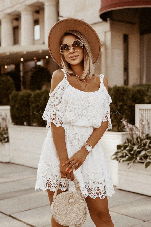 Dziewczeca Sukienka O Luznym Kroju W Kolorze Bieli Mini Sukienka Z Delikatnymi Aplikacjami Z Koronki Sukienka Na Ramiaczkach Z Opadajac Fashion Style Dresses