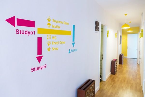Pilates FNB Studio by iyiofis, via Behance