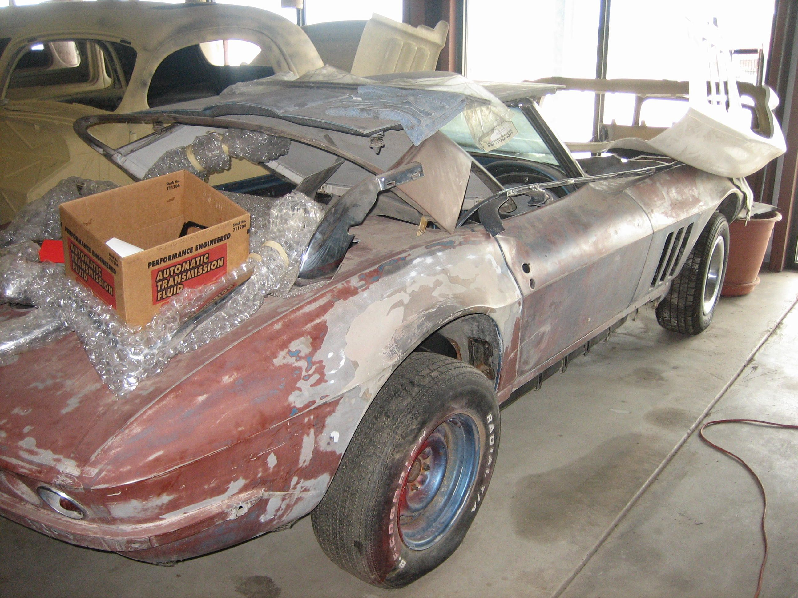 All these pic of Corvettes and THIS is the one I\'m drawn too. | Cars ...