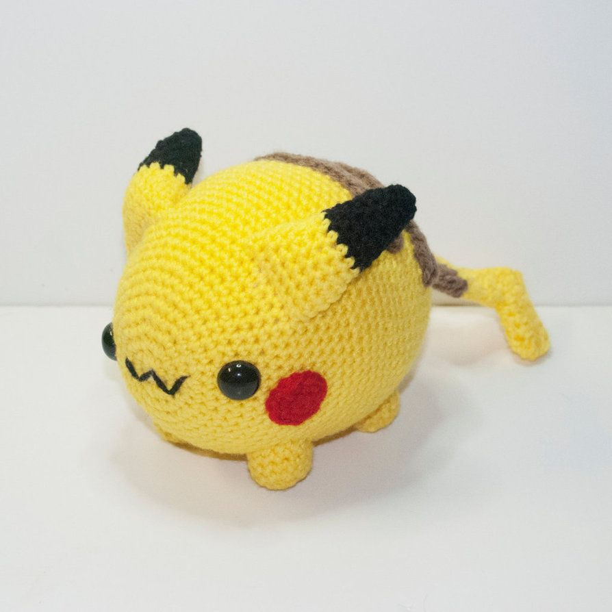 Introducingchubby Pikachu!He's now available andREADY TO SHIP!www.etsy.com/listing/219236941…