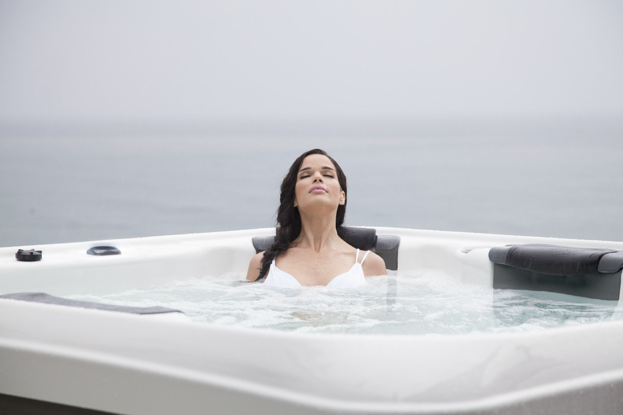 When You Are Enjoying Bullfrog Spas Jetpak Massage Therapy You Don T Spend Much Time Thinking About Spa Hot Tubs Hot Tub Store Environmentally Friendly Design