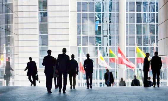 PE: Gwarancja dla młodzieży szansa na lepsze jutro dla młodych Europejczyków?  http://www.sld.org.pl/aktualnosci/3634-pe_gwarancja_dla_mlodziezy_szansa_na_lepsze_jutro_dla_mlodych_europejczykow.html  Europa zmaga się z najwyższym od dziesięcioleci poziomem bezrobocia wśród młodych. W poniedziałek Parlament Europejski przedyskutuje zaproponowany przez Komisję Europejską
