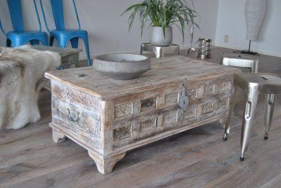 Kista/Soffbord av återvunnet trä