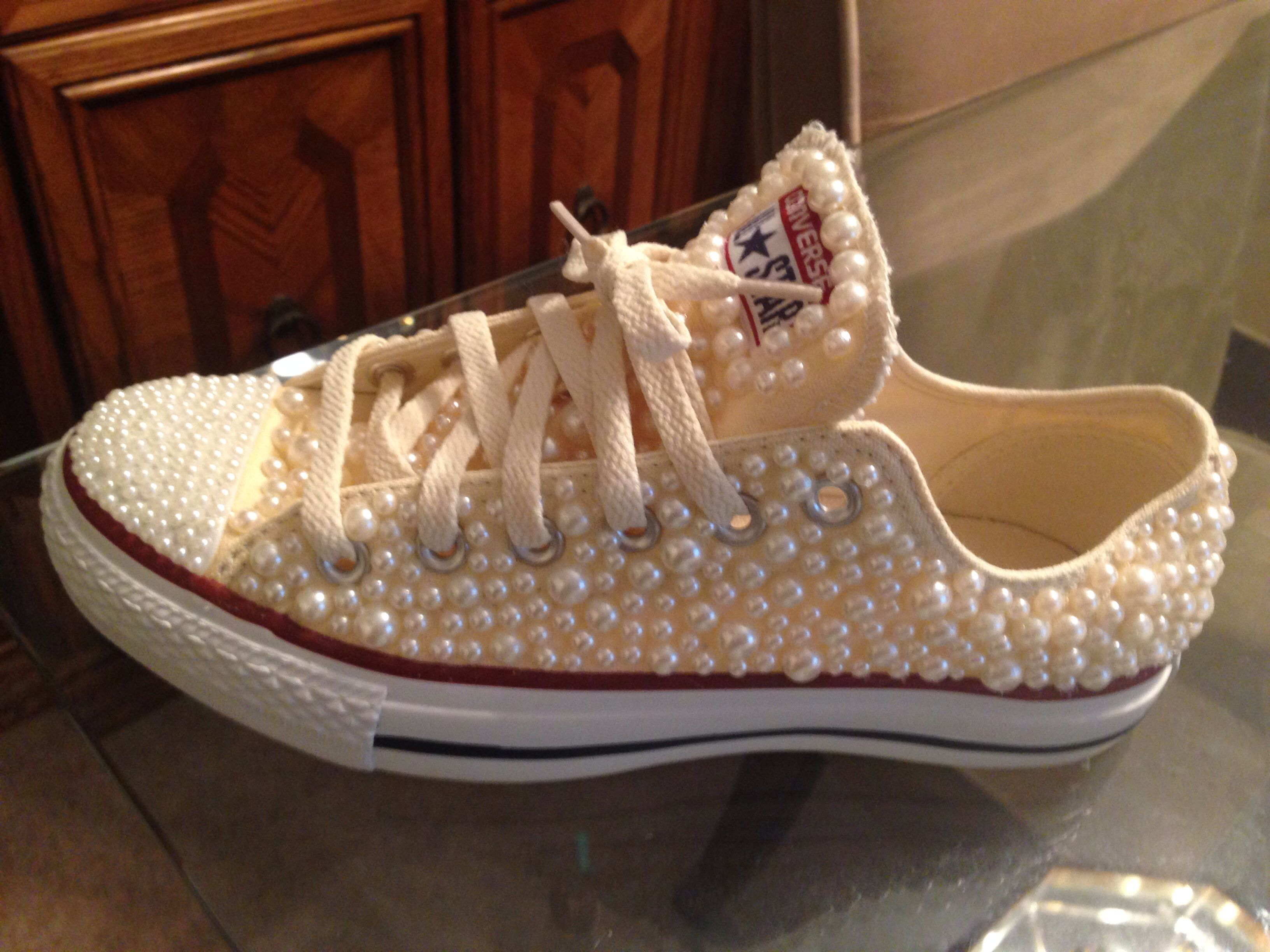 Custom pearl converse made by me.  craftsbymel  4ee1294197