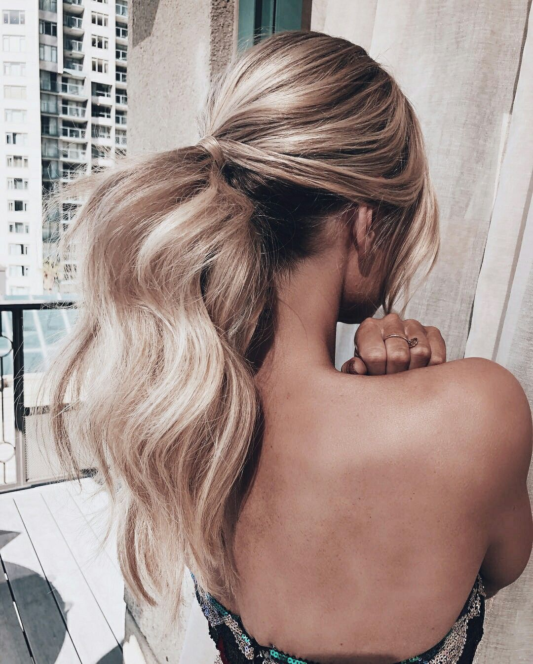 Long Hair Ponytail Hairstyle Loose Curls Ponytail With Curls Blonde Hair Dyed Hair Hair Color Hair Ideas We Hair Styles Long Hair Styles Best Hair Dye