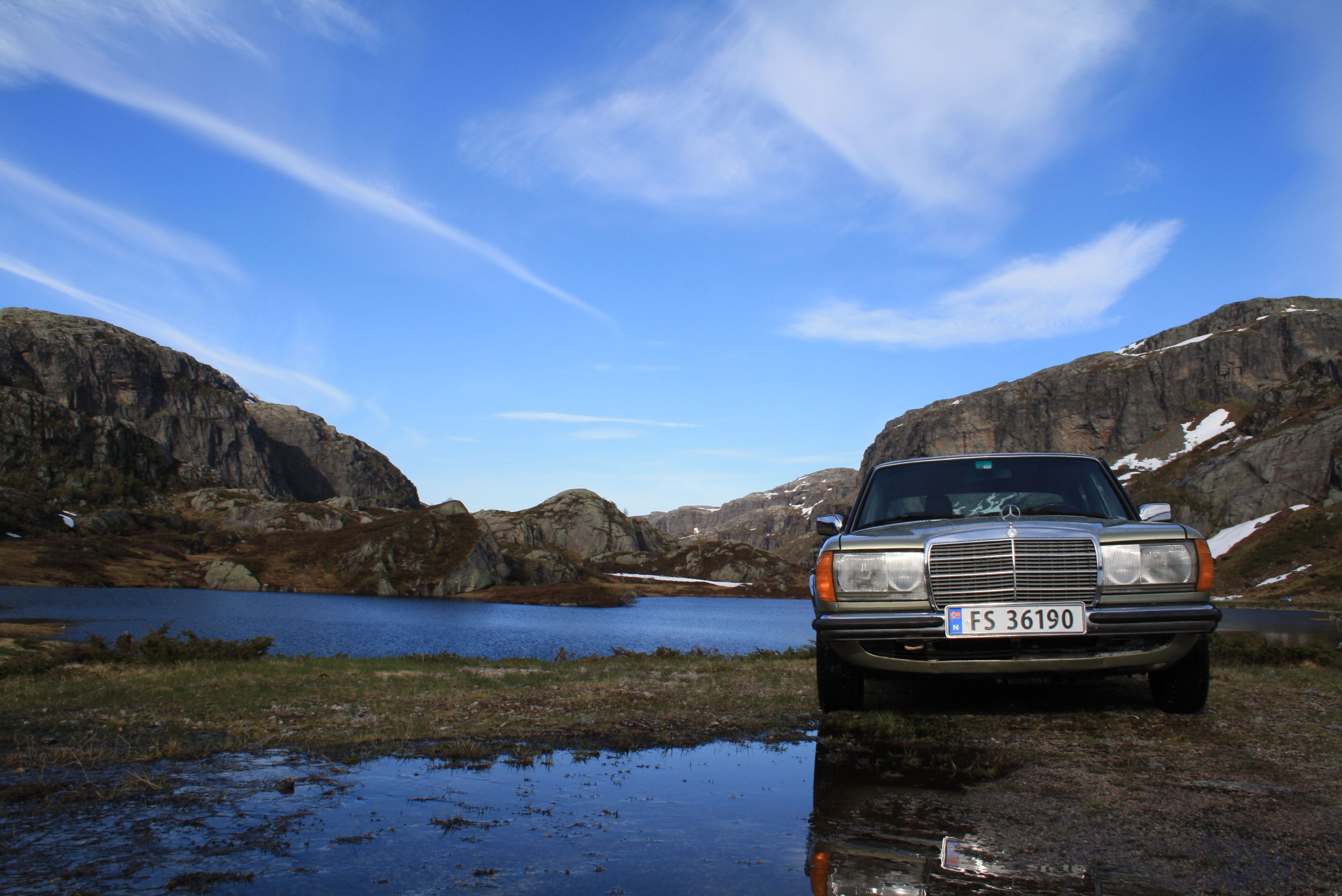 #Norway #Rogaland #w123 #MigthyBenz