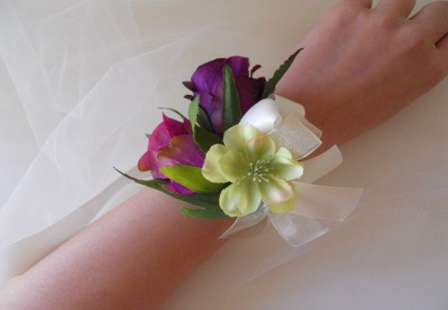 How To Make Wrist Corsages Simple And Easy Steps To Make