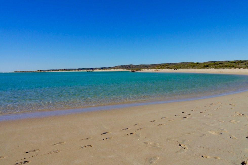 Zauberschöner ewig weiter Sandstrand am Sandy Bay - Cape Range National Park - North West Cape & Exmouth - Western Australia