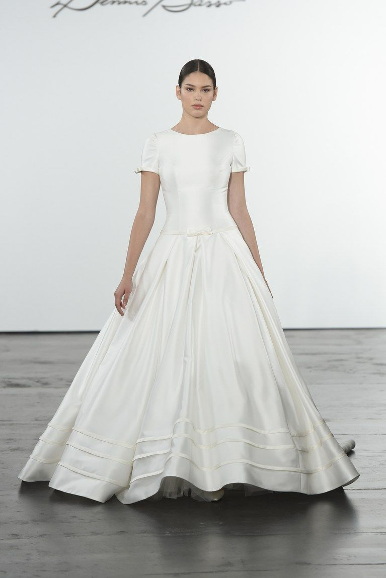 Dennis Basso for Kleinfeld Fall 2018 | Dennis basso, Wedding dress ...