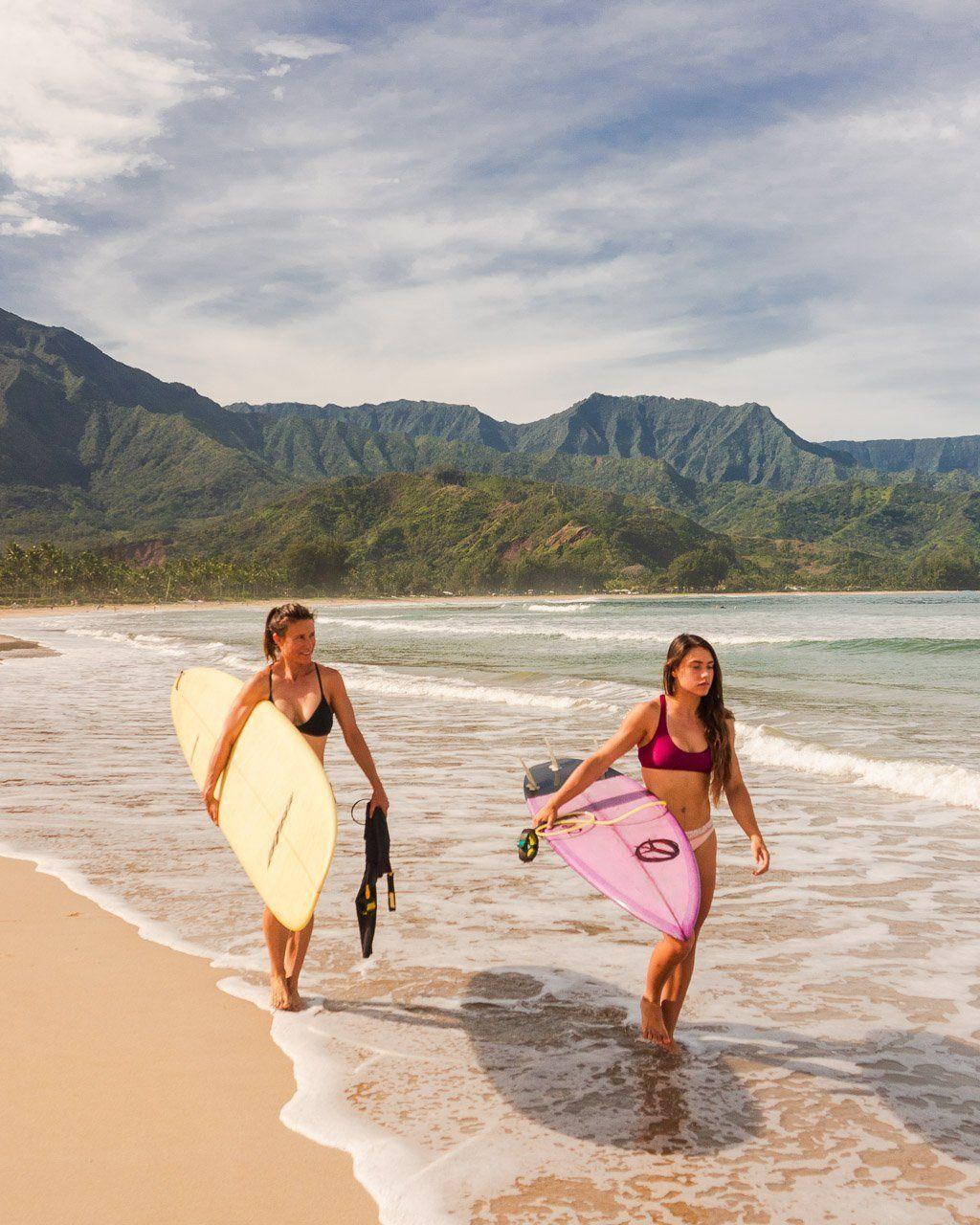 Surfing Hanalei Bay: Things to do Kauai