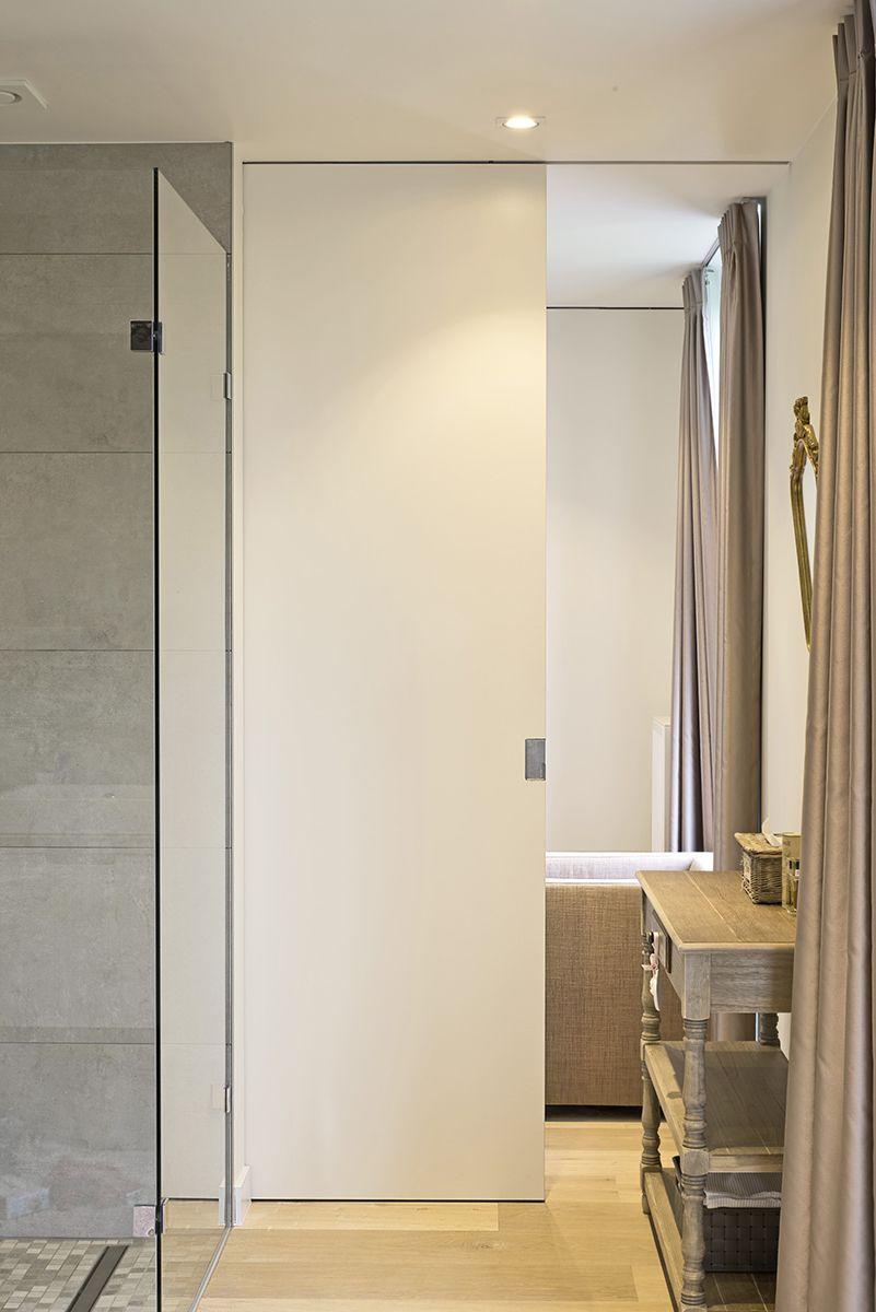 porte coulissante de hauteur de pi ce ou paroi mobile avec poign e cuvette affleurante en inox. Black Bedroom Furniture Sets. Home Design Ideas