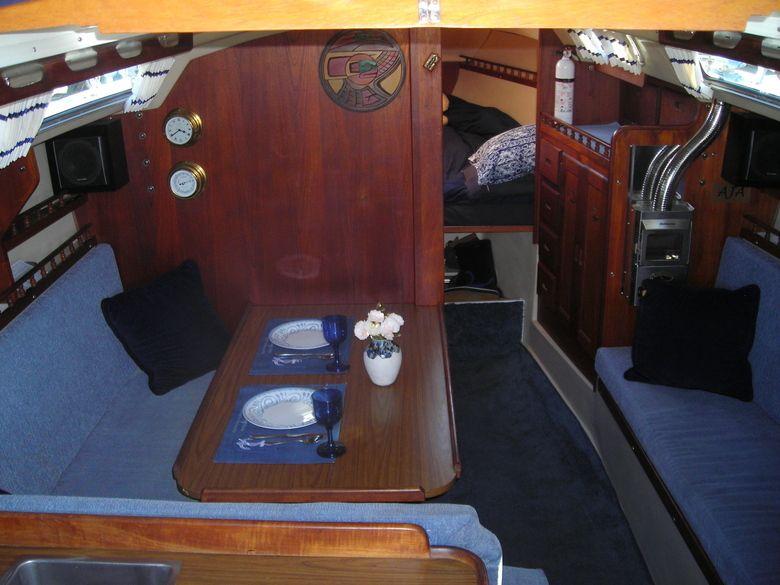 Sailboats 30 Catalina 30 Sloop Listing 3743 Sailboat Interior Boat Interior Design Yacht Interior Design