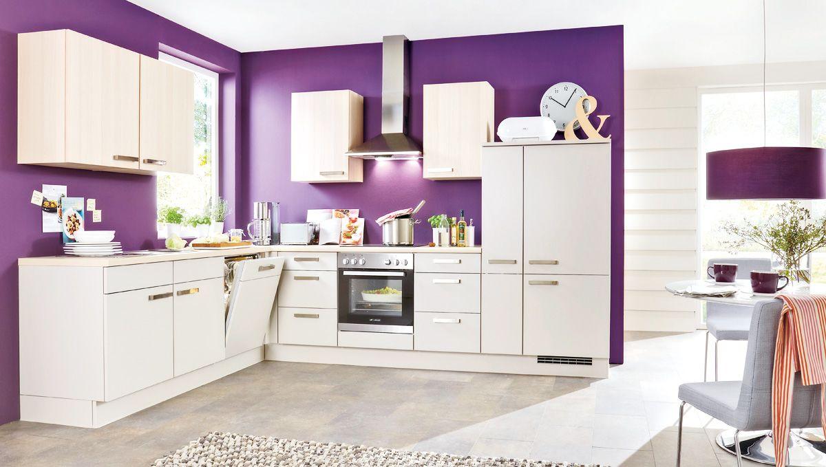 fronten in violett matt lack mit frontabsetzungen in hochglanz, Wohnzimmer dekoo