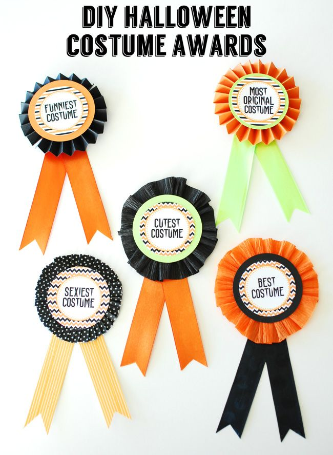 diy halloween costume awards with free printable circles made from