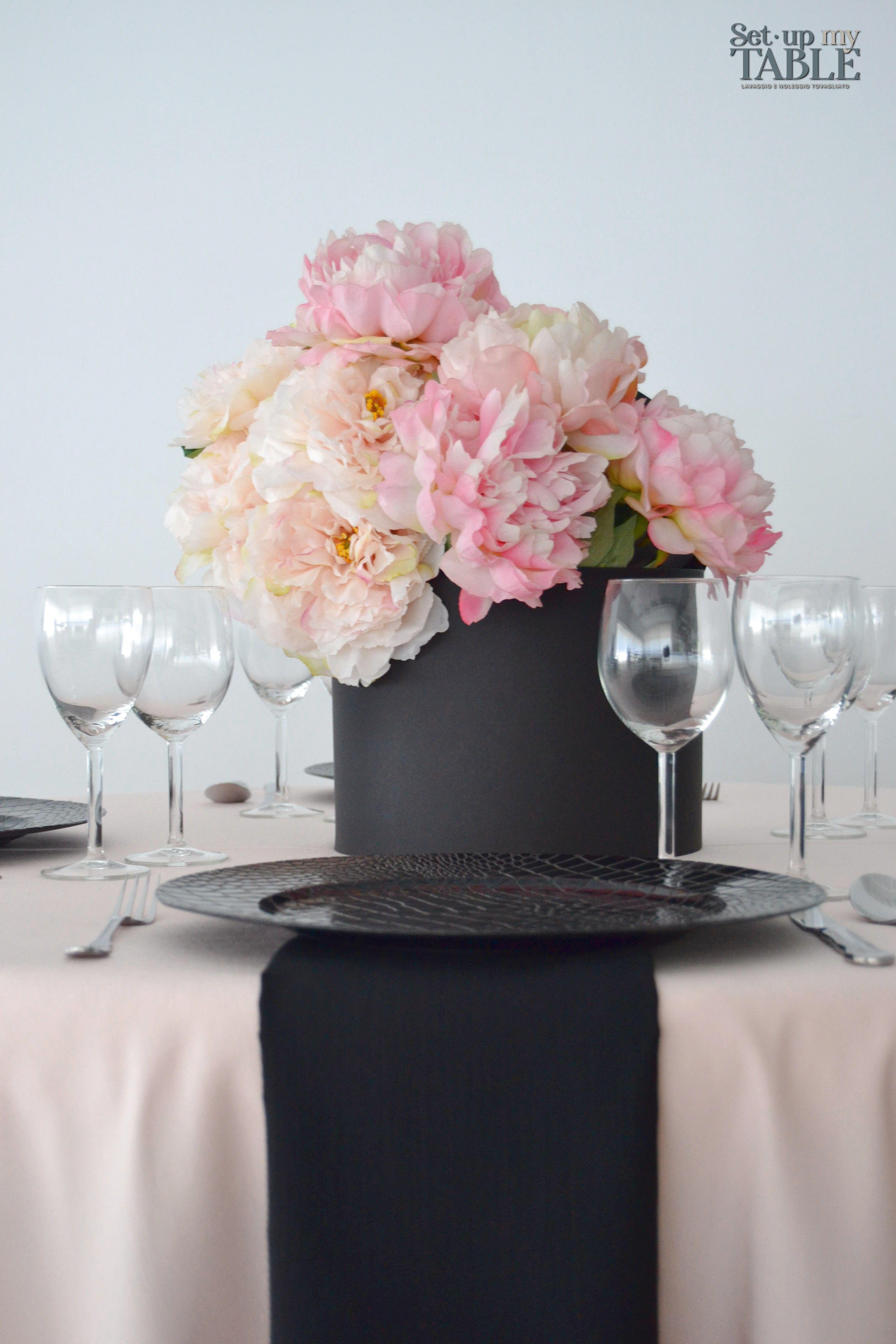 Colori Da Abbinare Al Rosa 💕il rosa è un colore super richiesto dalle spose.. noi lo