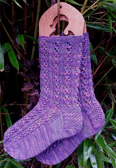 Temira Socks by Kelli Slack - Free until 9pm PST January 18, 2015. Enjoy!
