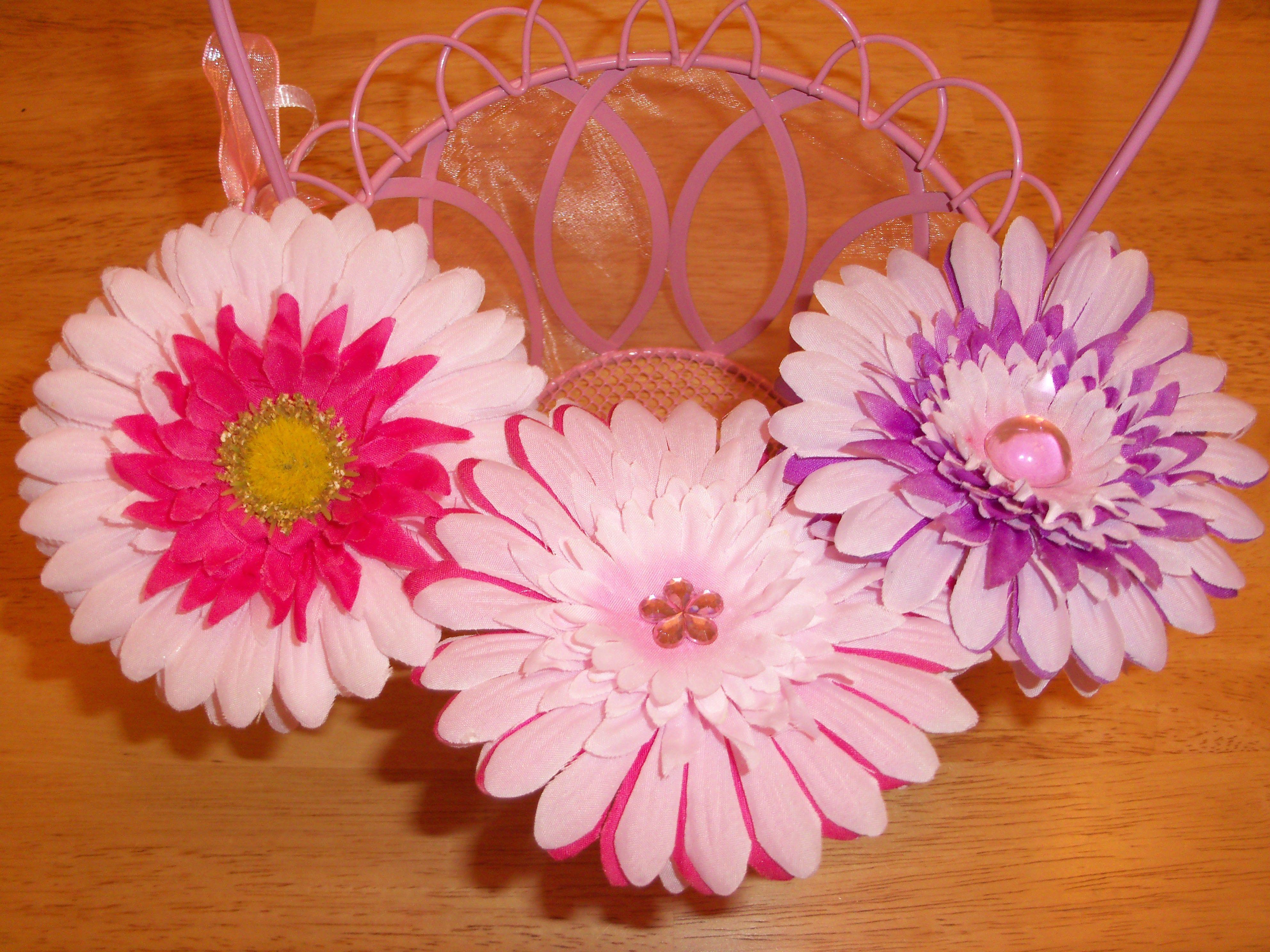 Frugal craft idea how to make beautiful hair flowers for your frugal craft idea how to make beautiful hair flowers for your little girl on the cheap izmirmasajfo