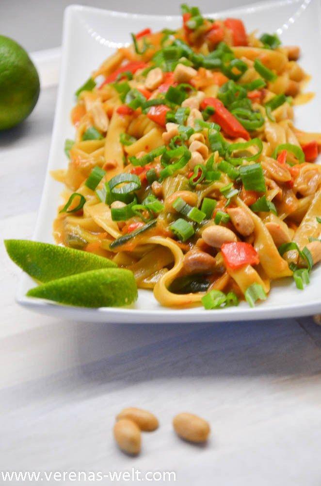 One Pot Pasta: Thai Erdnuss Nudeln | ° Verenas Welt ° #easyonepotmeals