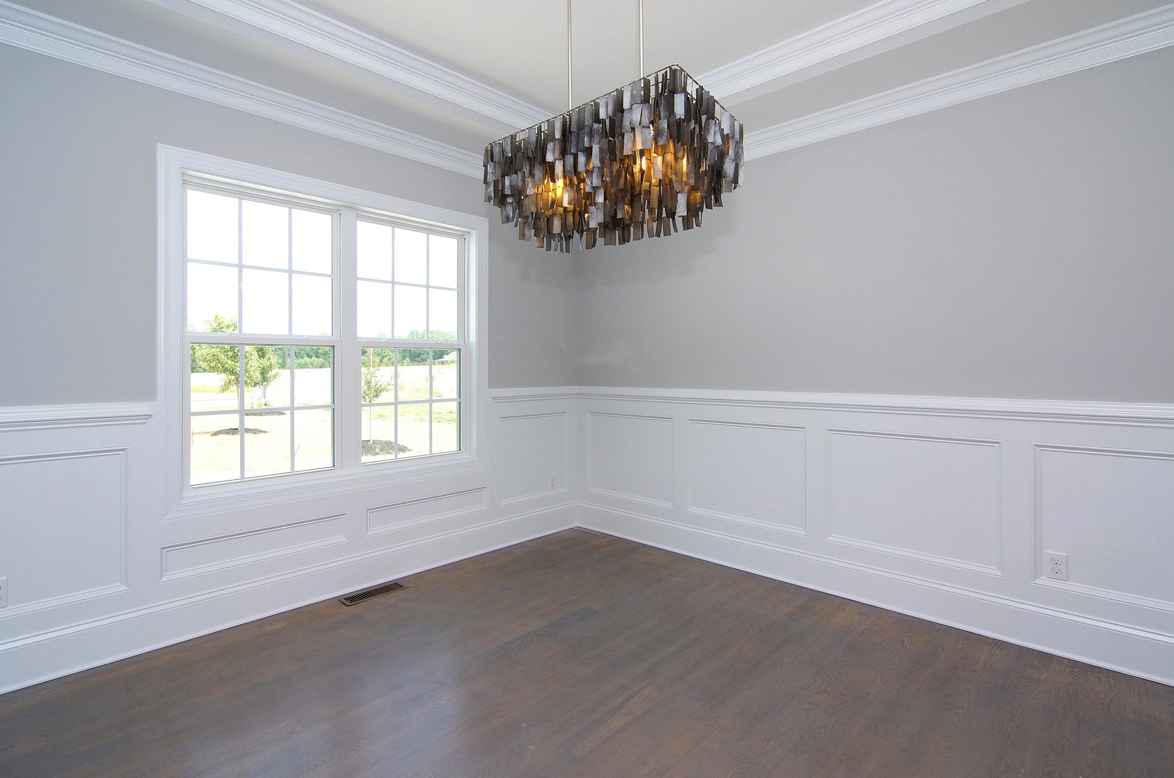 Sherwin Williams Fleur De Sel Gray Walls And White Trim Dining Room Wainscoting White Wainscoting Wainscoting Styles