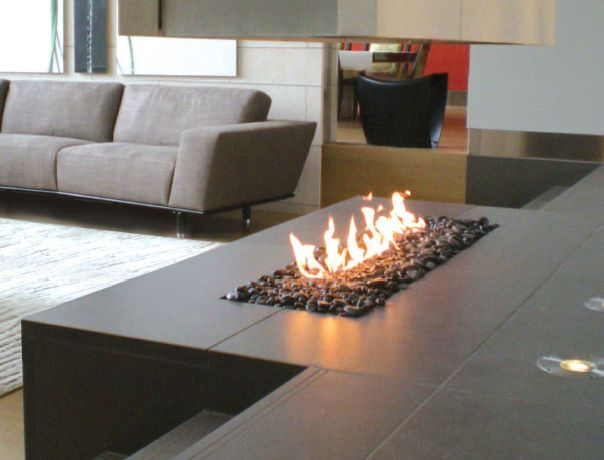 Contemporary fireplace gas open hearth linear burner for Modern living room gas fires