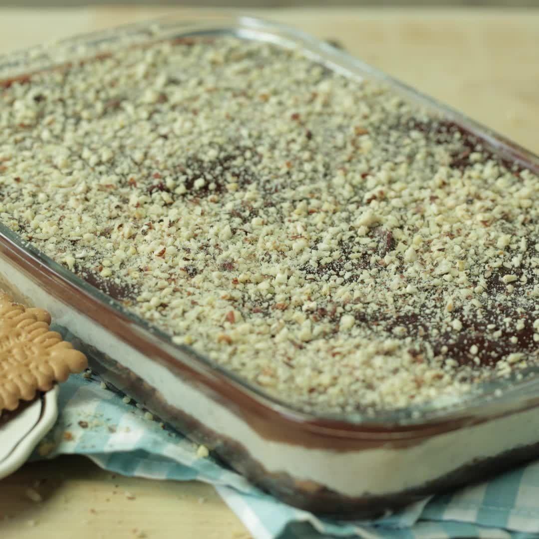 انت من عشاق النوتيلا وتحبينه بأي شكل حلى نوتيلا وصفة حلويات حلى طبقات النوتيلا Nutella Dessert Chocolate Baking Desserts Food
