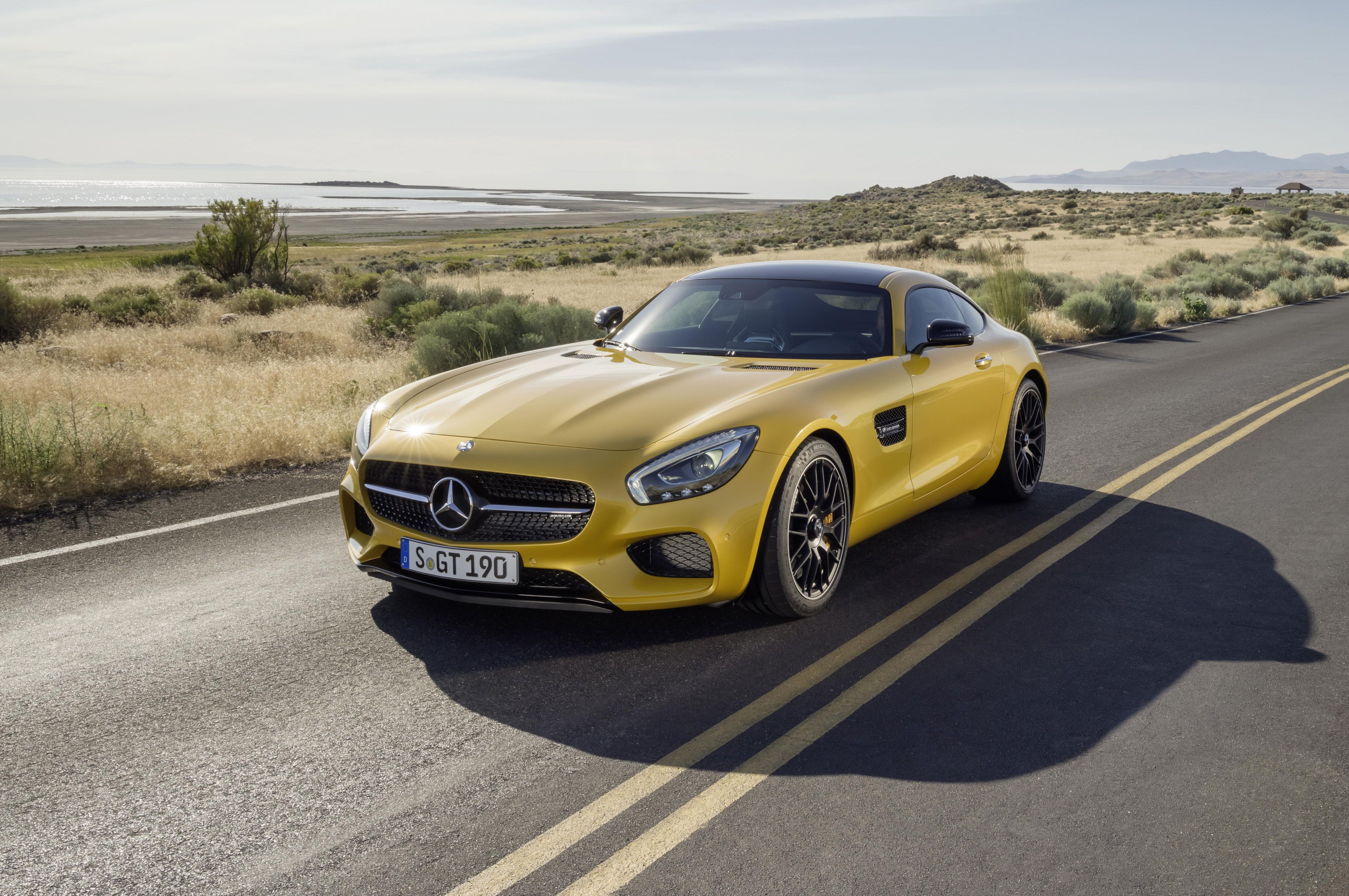 The new Mercedes-AMG GT: Now it's your turn - http://www.motrface.com/the-new-mercedes-amg-gt-now-its-your-turn/