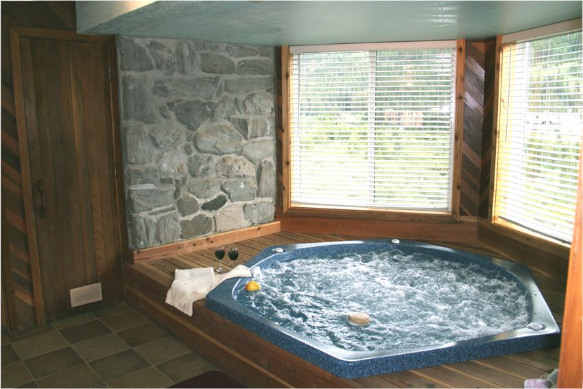 Pin By Katie Deangelo On Dream Home Hot Tub Room Indoor Hot Tub Hot Tub