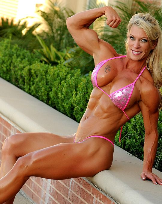 Download Free Blonde Muscle Babe Jill Gets Off
