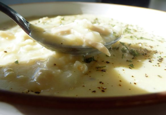 Avgolemono Soup: Fast Flavourful Greek Egg-Lemon Soup #greeklemonrice