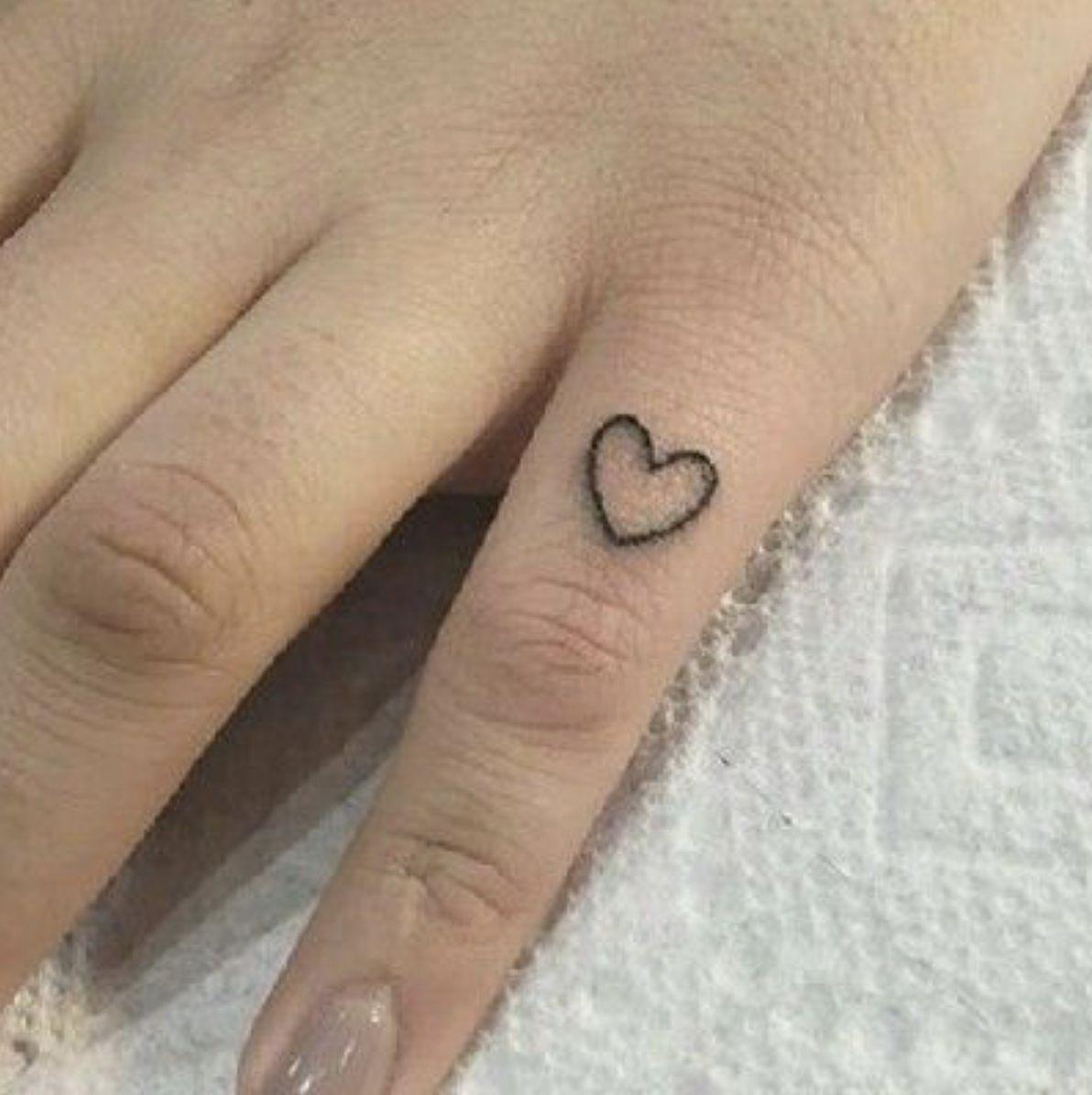 Pinky Finger Heart Tattoo Broken Heart Tattoo Heart Tattoo Hand Tattoos