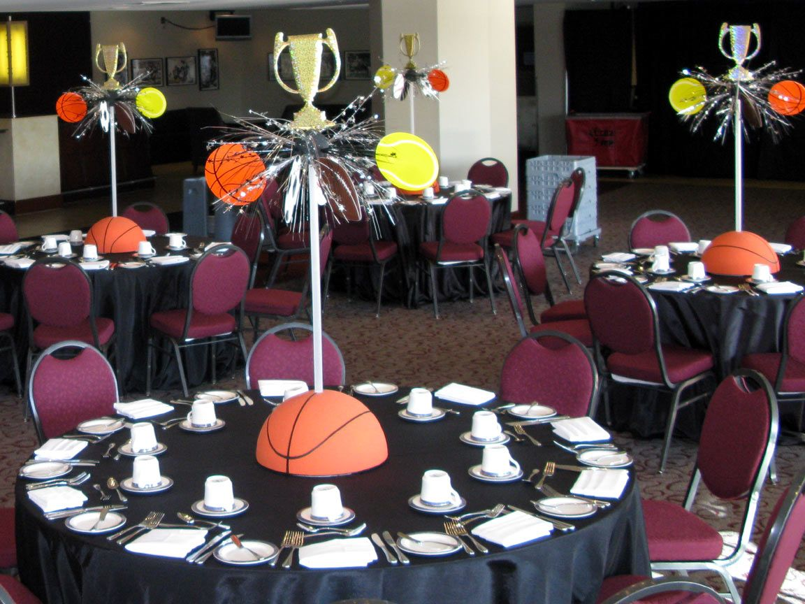 Sports banquet sports theme centerpiece a photo on for Basketball craft party ideas
