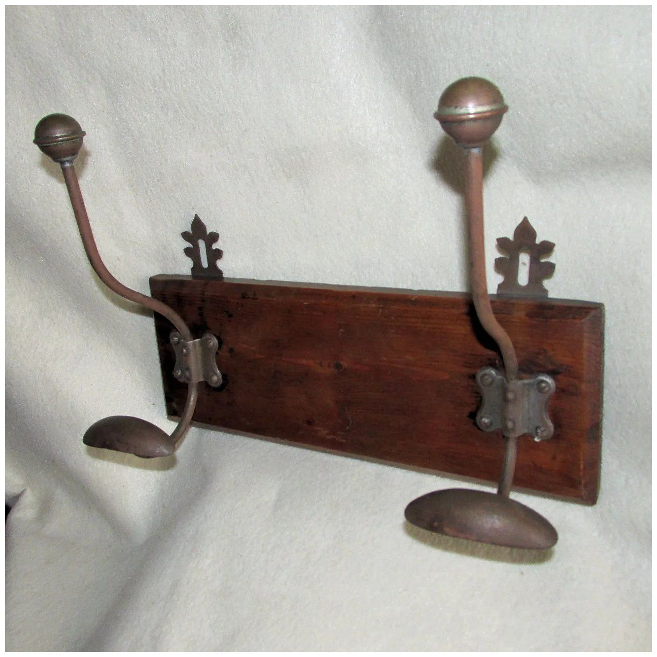 Antique Coat Hooks Hat Rack Circa 1890s Victorian In 2020 Hat Rack Antiques Home Decor Accessories
