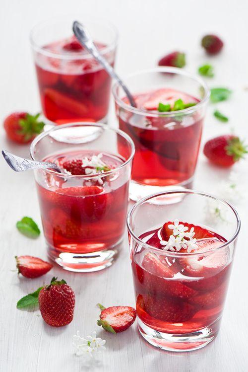 Bebidas Inspiración En Rojo Para Tu Boda Evabrazzi Recetas De Comida Comida Jarabe De Fresa